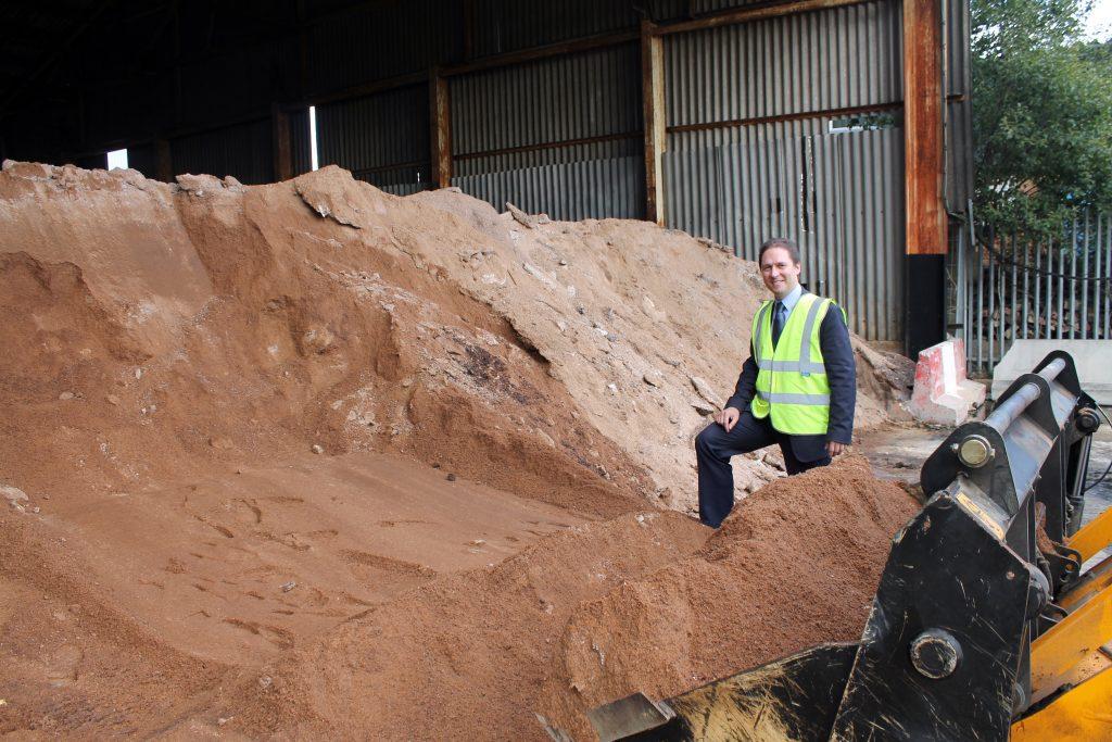 1,600 tonnes of salt held in reserve