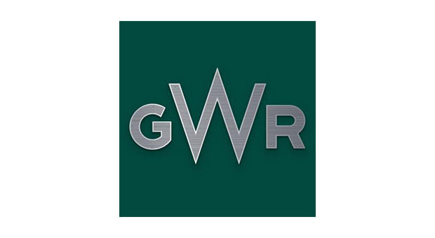 Gwr Steps In To Rescue Stranded Coach Passengers As M4