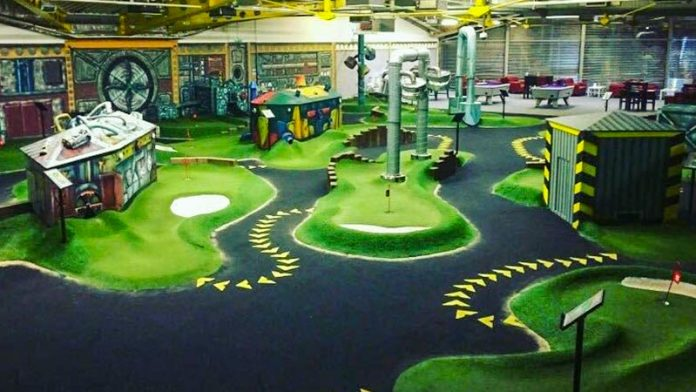 The Golfing Hole - Adventure Golf Swindon
