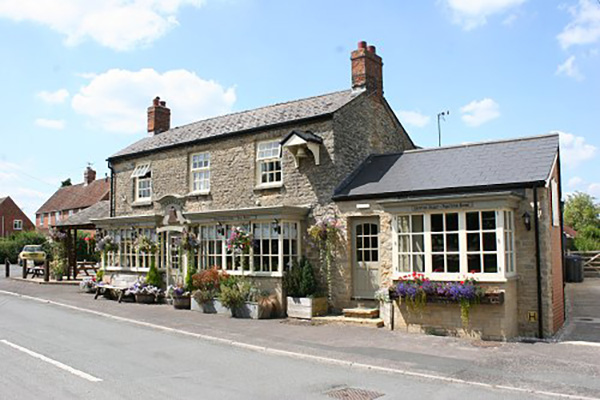The Bell Inn Pub - Purton Stoke