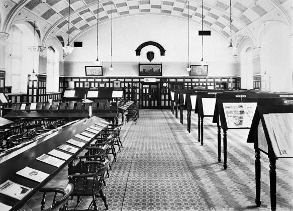Mechanics Institute, Emlyn Square, Railway Village, Swindon.Interior view of the reading room taken in 1938.