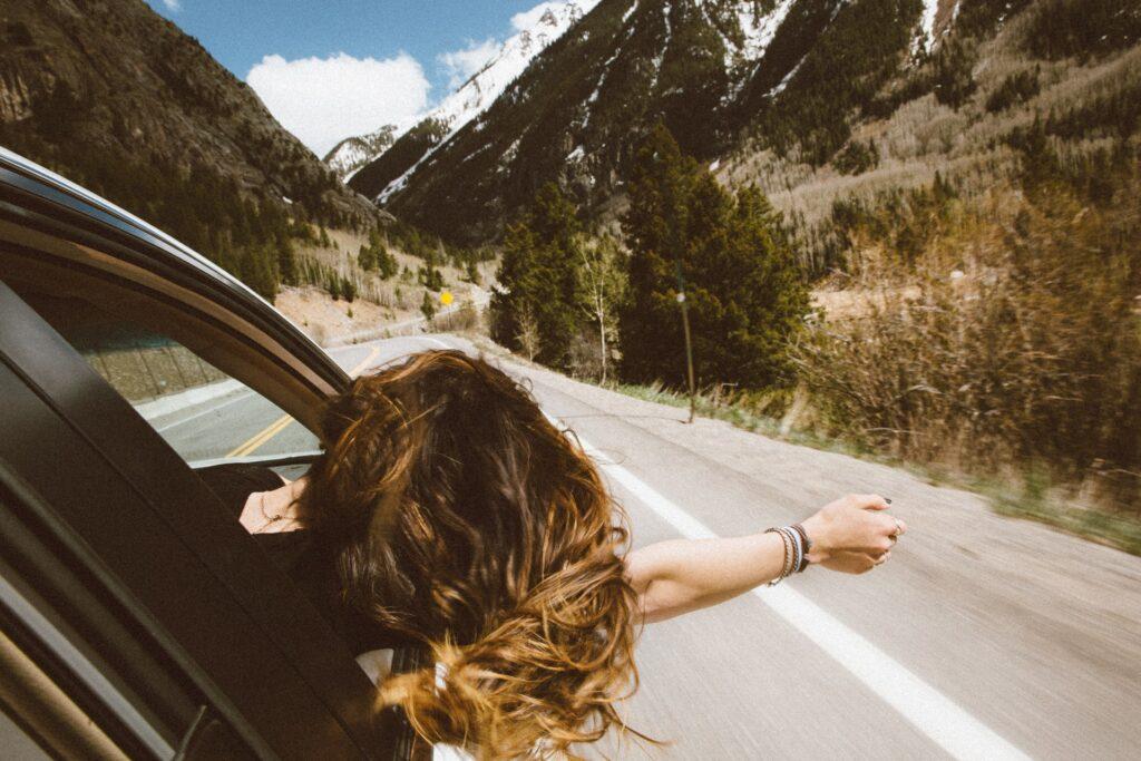 women travelling around the world